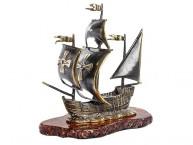 Корабль Каравелла (латунь и янтарь)