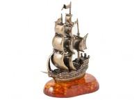 Корабль Фрегат (латунь и янтарь)